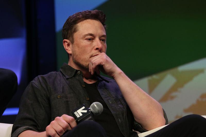 Илон Маск отказался от планов по превращению Tesla в частную компанию - 1