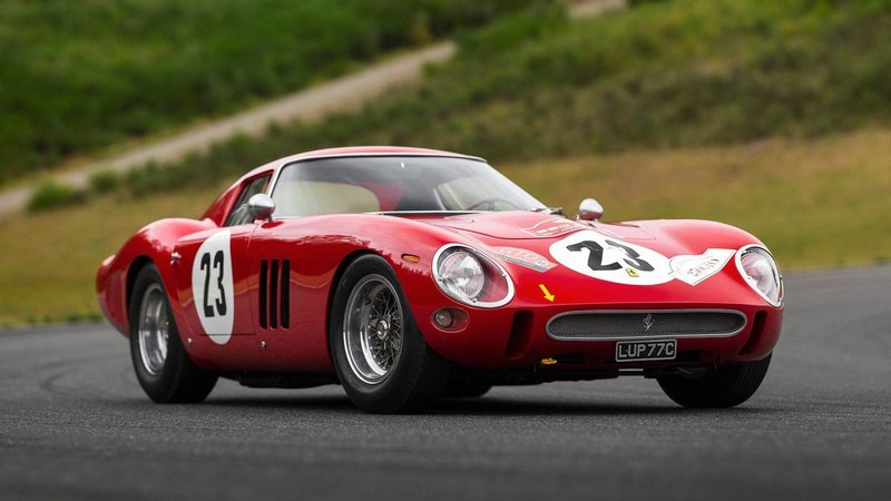 Ferrari 250 GTO продали на аукционе за рекордную сумму