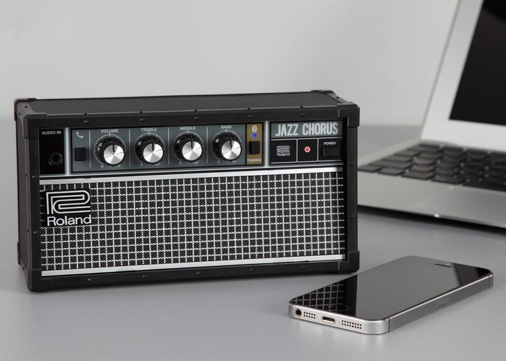 Обсуждение: необычная портативная акустика — спорткар, ретрорадио и «аудиосапоги» - 2