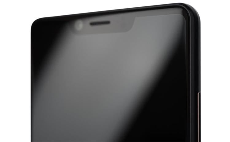 Sharp Aquos D10: смартфон среднего уровня с экраном Full HD+ и тремя камерами
