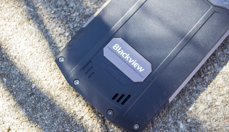 Защищенный игровой смартфон с подэкранным сканером отпечатков пальцев и дисплеем AMOLED протестирован в AnTuTu
