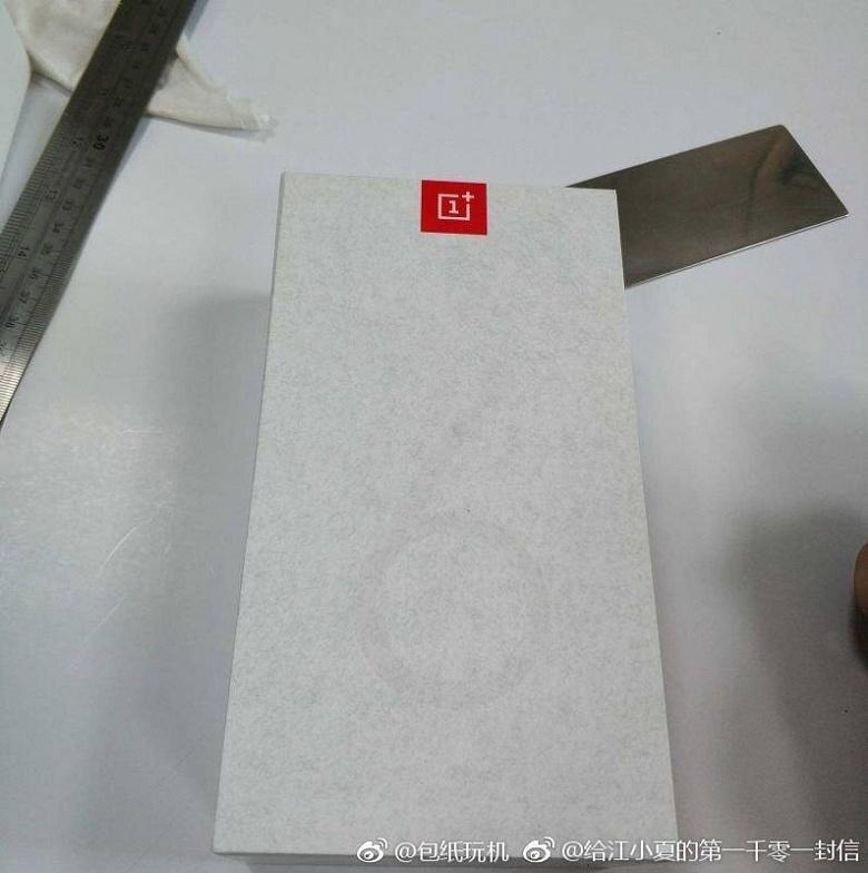 Появилась фотография упаковки смартфона OnePlus 6T - 2