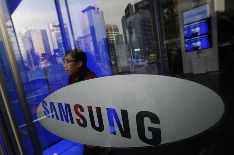 Samsung: гибкий смартфон дебютирует до конца 2018 года