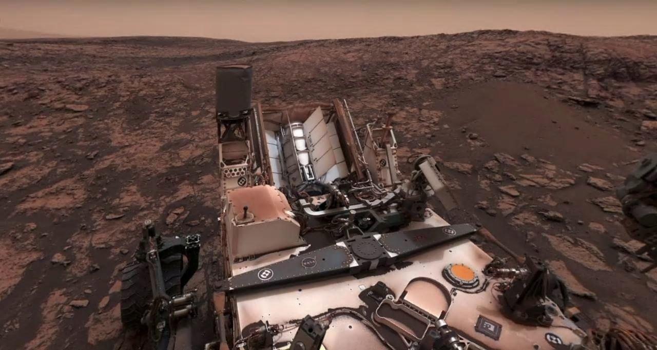 Панорама марсианского пейзажа во время пылевого шторма