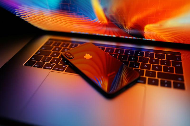 Аналитики с Уолл-стрит: «Apple заставила нас съесть свои шляпы» - 1