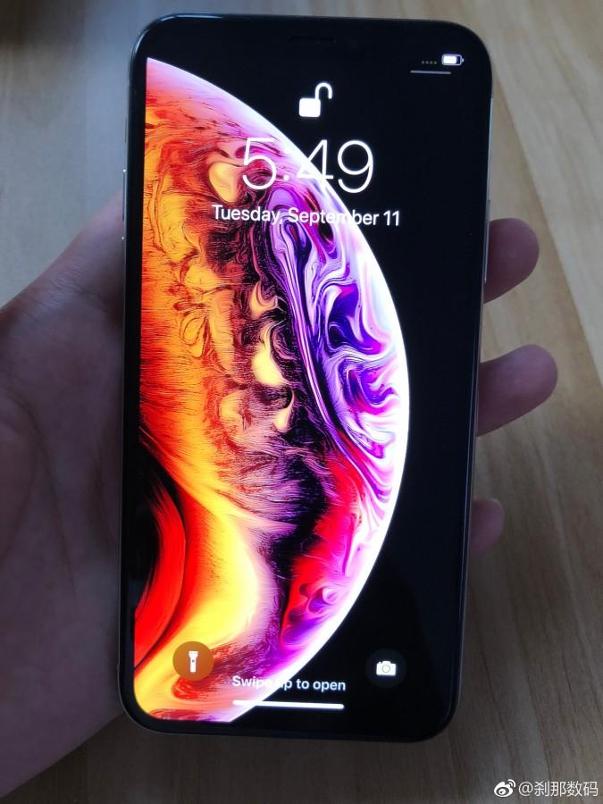 iPhone Xs показали на «живых» фото до премьеры
