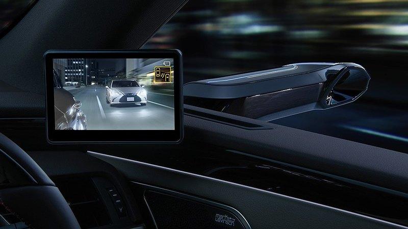 В «дорогой Camry от Lexus» не будет наружных зеркал