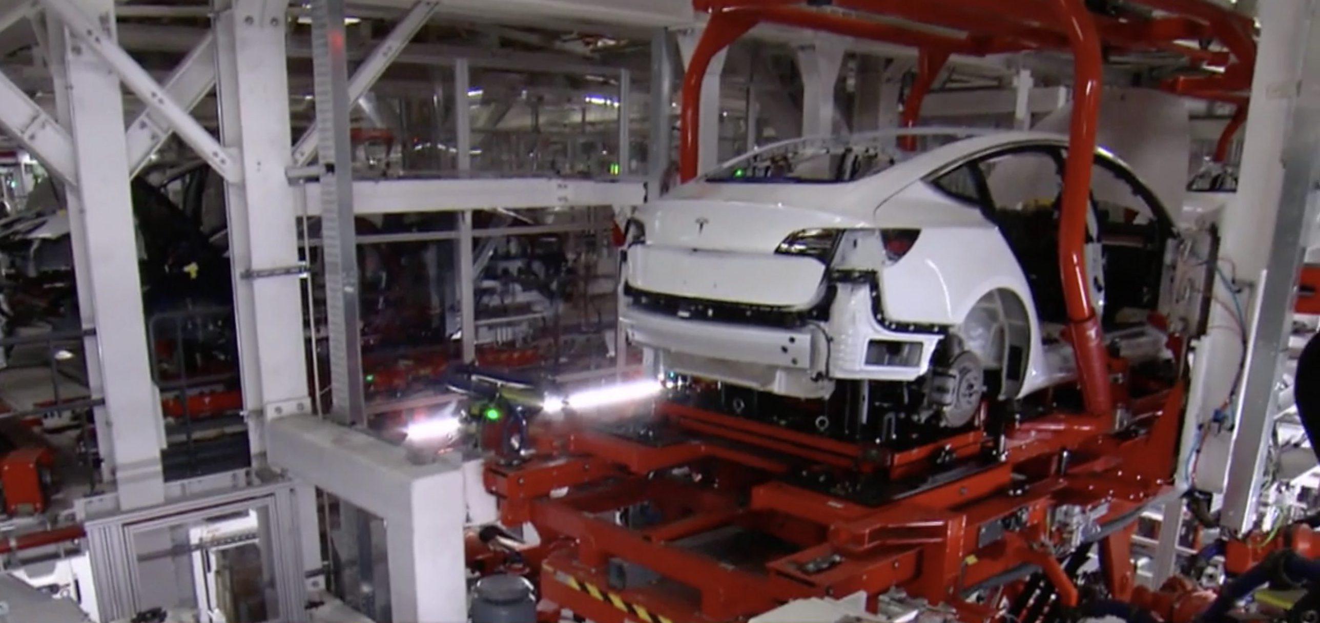 Tesla поставила квартальный рекорд по объему произведенных электромобилей - 1