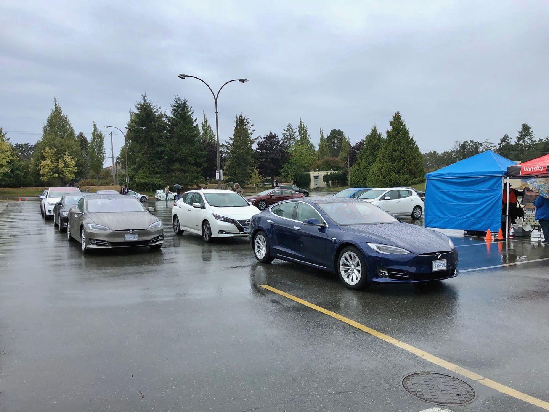 Тест-драйв VW e-Golf, Nissan Leaf и Tesla Model 3 - 20