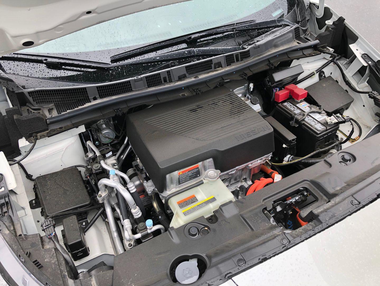 Тест-драйв VW e-Golf, Nissan Leaf и Tesla Model 3 - 8