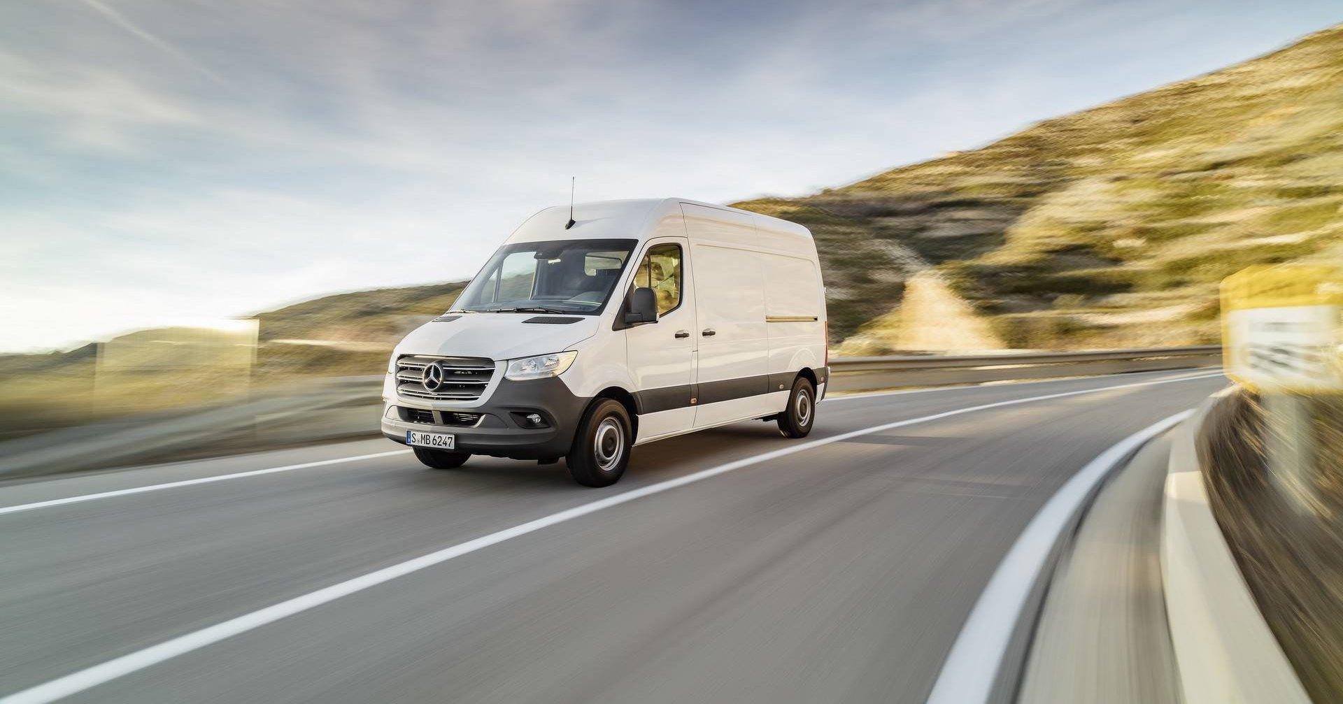 Mercedes-Benz назвал рублевые цены на новую версию Sprinter