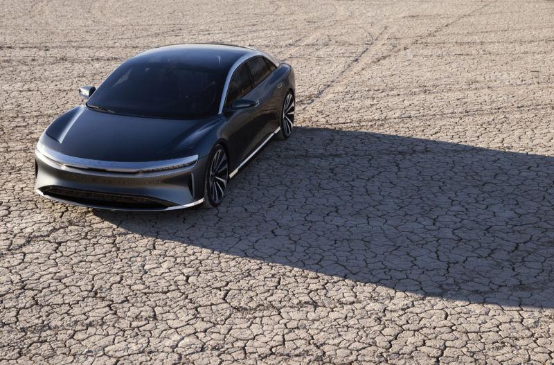 Конкуренты Tesla получили инвестиции объемом в $1 млрд из Саудовской Аравии - 1
