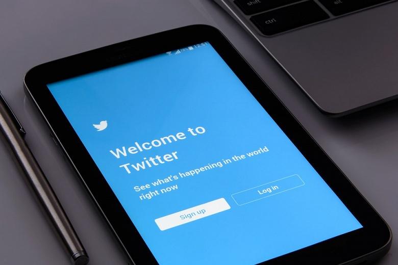 Личные сообщения в Twitter целый год отправлялись разработчикам