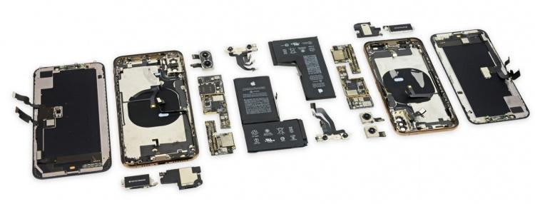 Вскрытие iPhone Xs и iPhone Xs Max: смартфоны можно отремонтировать