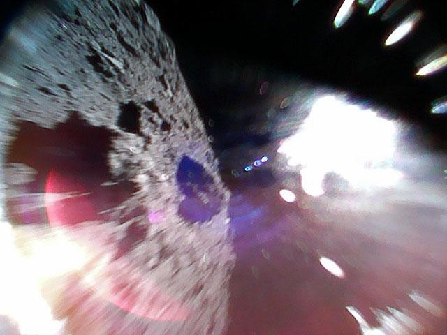 Спускаемые станции миссии «Хаябуса 2» успешно высадились на поверхность астероида 1999 JU3 - 3