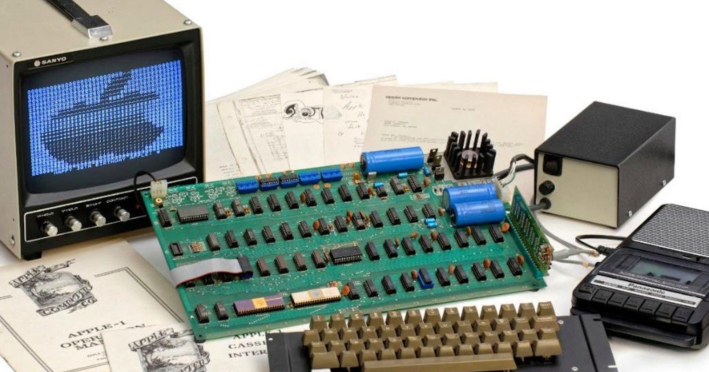 Один из первых компьютеров Apple продан за $375 тыс
