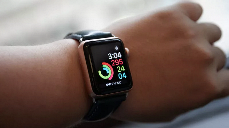 Apple исправила баг, из-за которого умные часы Apple Watch не заряжались