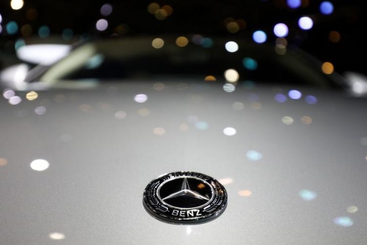 Bloomberg: Daimler запустит с Geely сервис каршеринга в Китае
