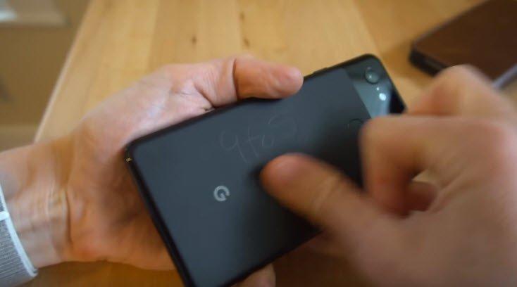 Никакой проблемы с царапинами у Google Pixel 3 XL нет
