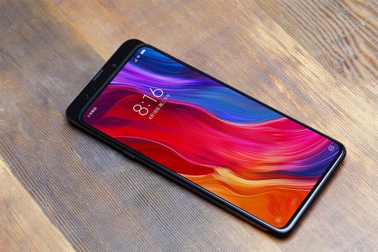 Xiaomi готова к выпуску флагманского смартфона-слайдера Mi Mix 3