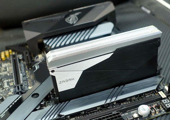 Процессоры Intel Core девятого поколения в исполнении LGA1151 поддерживают до 128 ГБ памяти