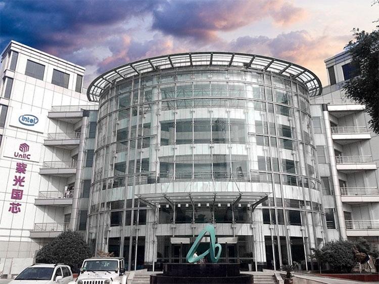 Tsinghua Unigroup инвестировала в производителя китайской DRAM