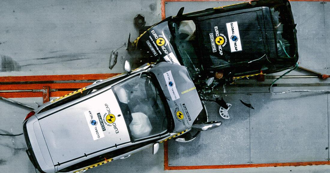 Новый Ford против 20-летнего: жестокий краш-тест