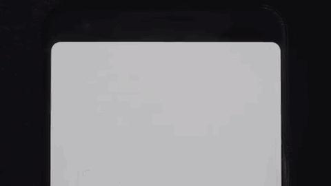 В смартфоне Google Pixel 3 часть экрана «лишняя». Она не используется в работе