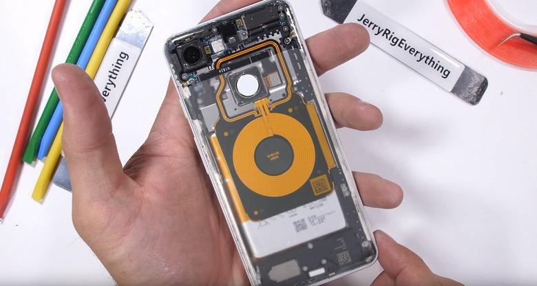 Видео дня: превращение обычного смартфона Google Pixel 3 в «прозрачный»