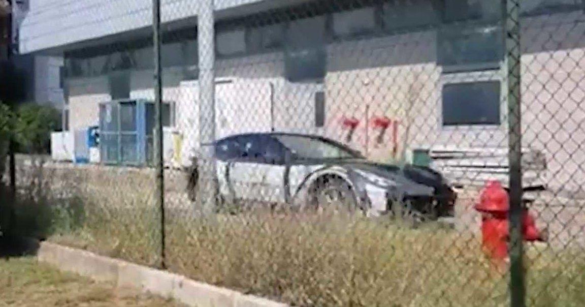 Замечен прототип кроссовера Ferrari: видео