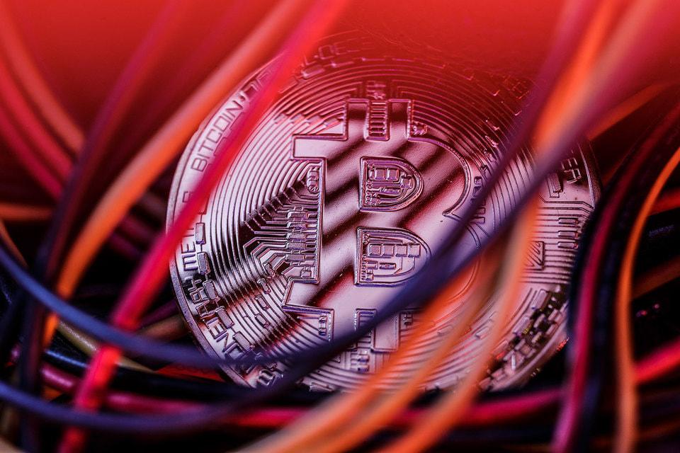 Финтех-дайджест: регулирование криптовалютного рынка в РФ, телефон вместо карты для банкомата, интерес к майнингу падает - 1