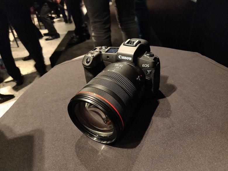 Компания Canon отчиталась за третий квартал 2018 года — продажи камер обрушились