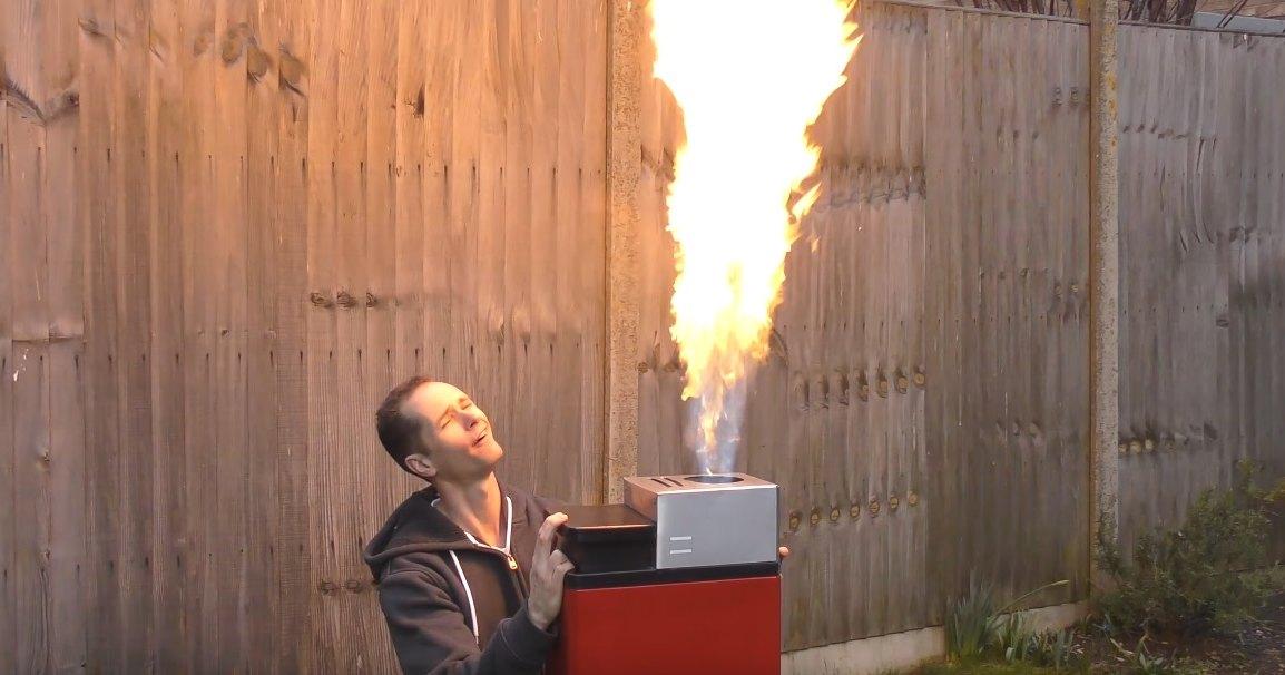 Самодельная суперзажигалка: как удивить мир, не спалив свой дом