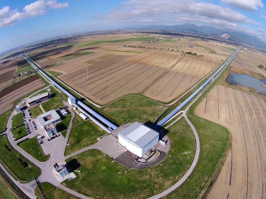 Как LIGO может увидеть гравитационные волны, если в ОТО свет растягивается вместе с пространством? - 3