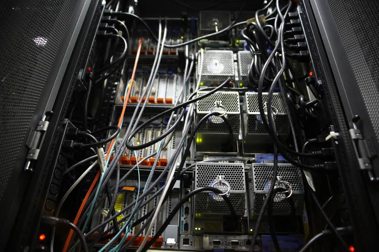 Как отрубали свет в маленьком дата-центре: дешёвый способ аварийного развёртывания - 1