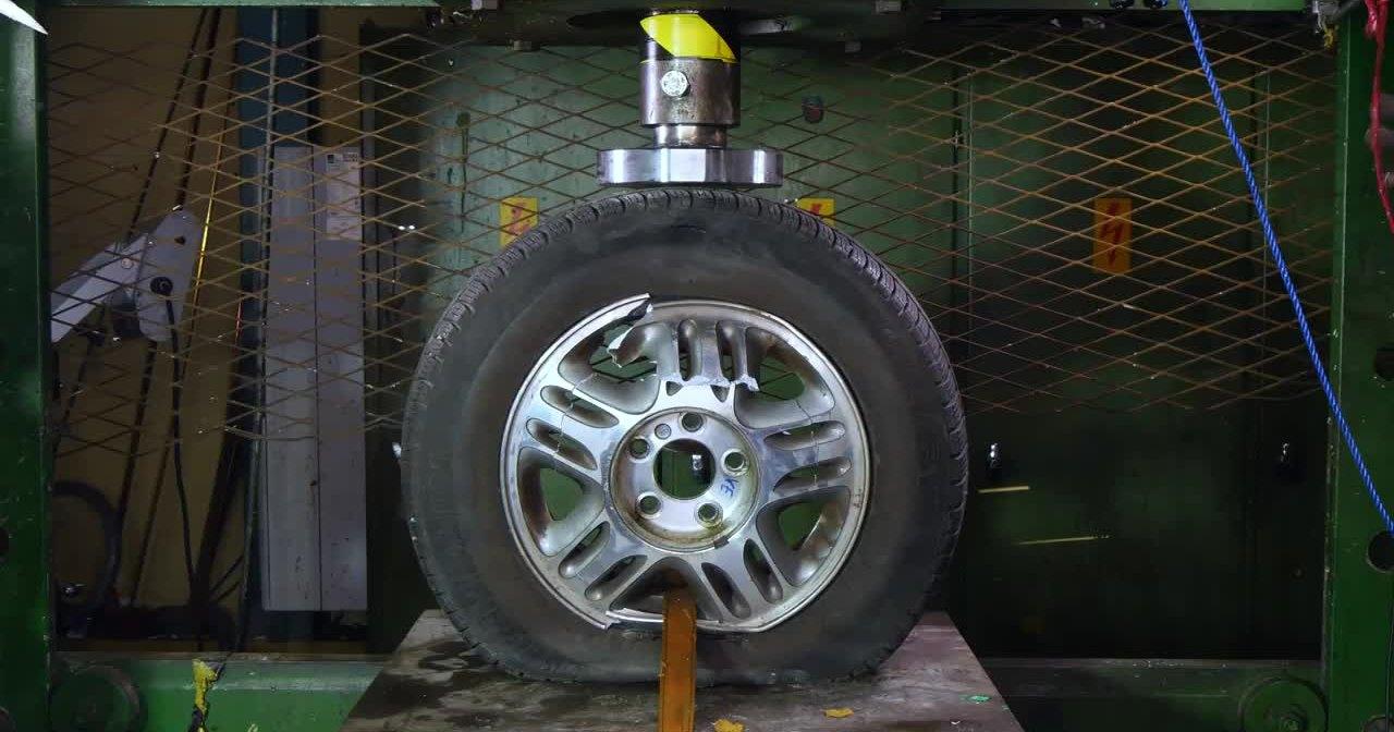Какое колесо прочнее – литое или штампованное?