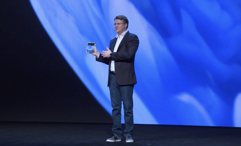 Samsung показала складной смартфон с гибким экраном