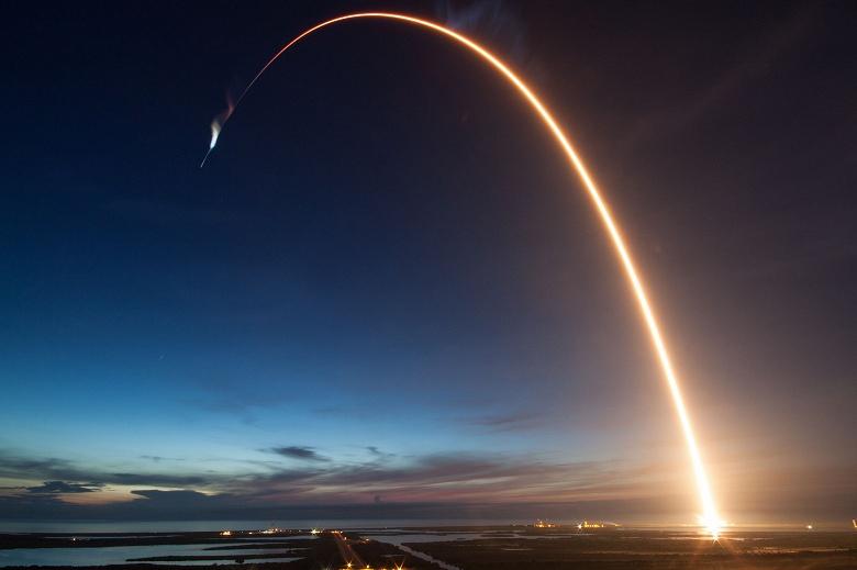 Для запуска своих первых научно-технологических спутников Казахстан выбрал SpaceX