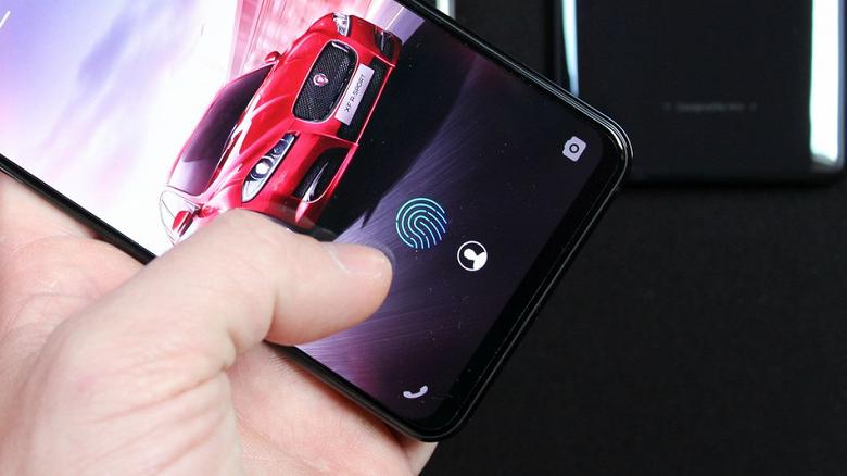Новая прошивка для OnePlus 6T улучшает работу подэкранного сканера