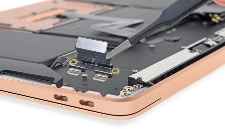 Что скрывает MacBook Air: новый ноутбук Apple препарирован