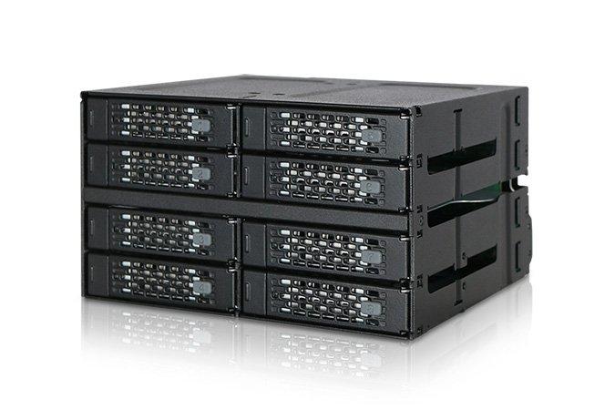 Icy Dock ToughArmor MB508SP-B позволяет разместить в двух смежных отсеках типоразмера 5,25 дюйма восемь накопителей