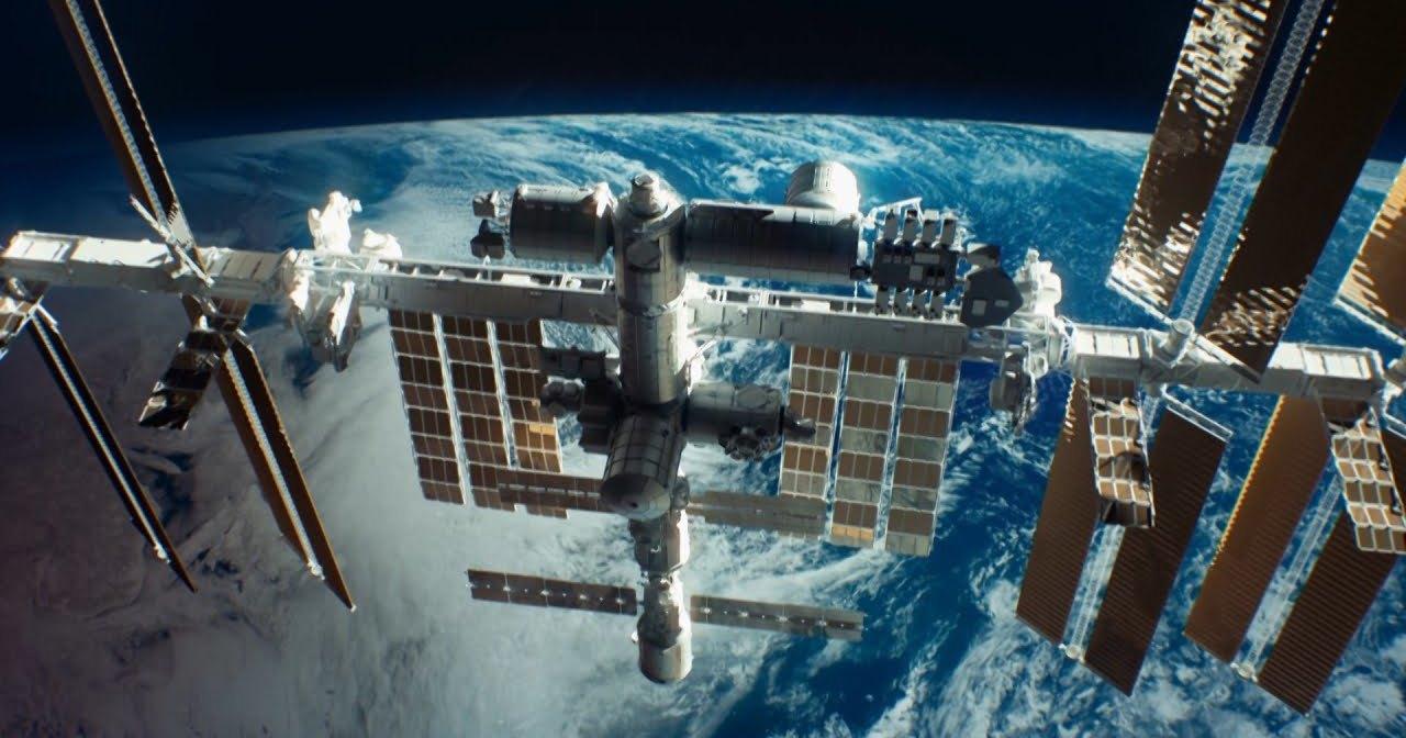 Как МКС защищают от космического мусора?