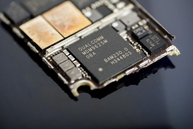 Apple активно нанимает бывших сотрудников Qualcomm, которые могут помочь ей разработать собственный сотовый модем для iPhone