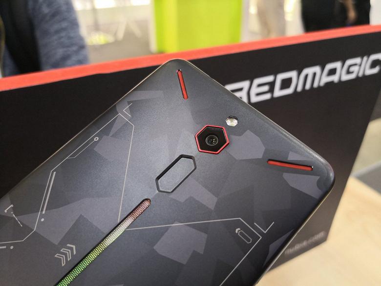 Xiaomi Black Shark Helo уступил по производительности новому игровому смартфону Nubia Red Magic Mars