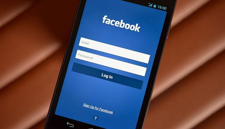 Марк Цукерберг обязал топ-менеджеров Facebook пользоваться только смартфонами с Android