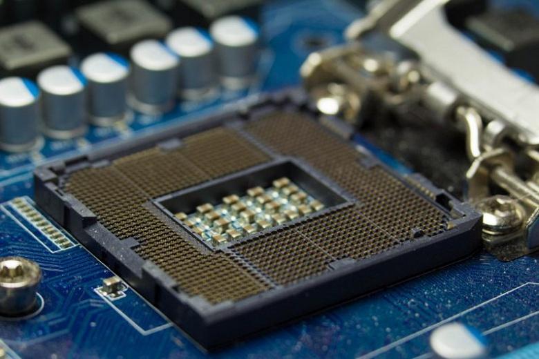 В этом квартале Intel на 25% сократит поставки процессоров, но не всех