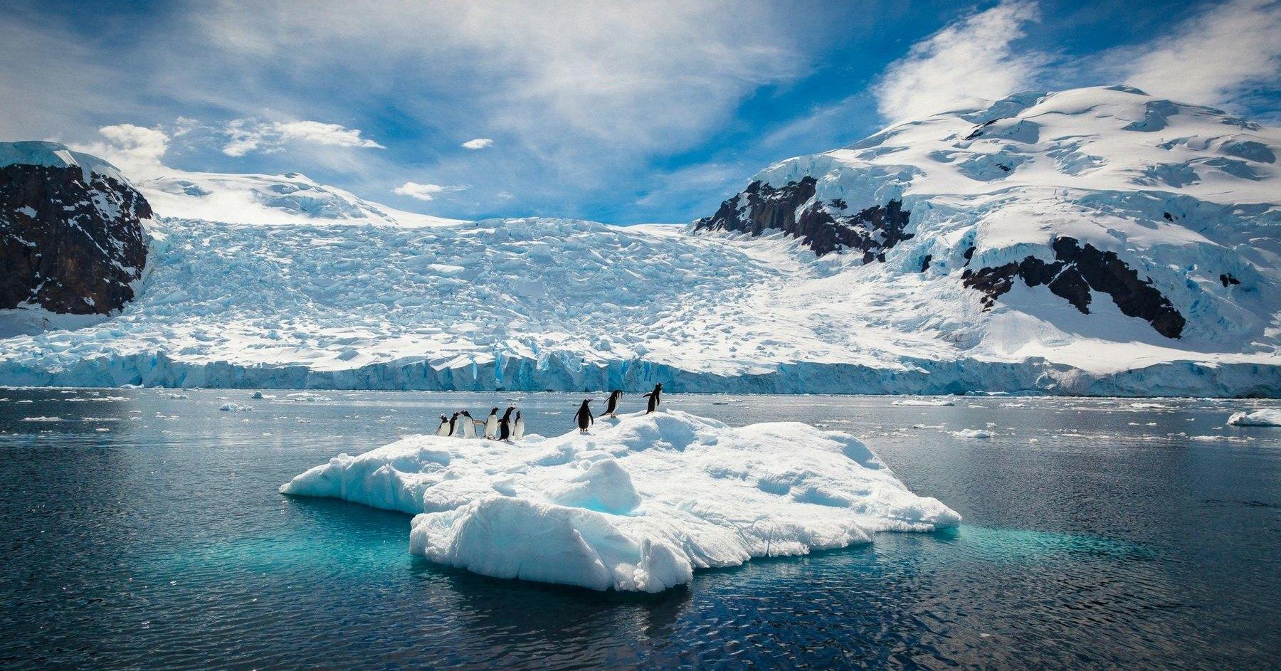 Обнаружен источник тепла под Антарктидой: лёд тает изнутри
