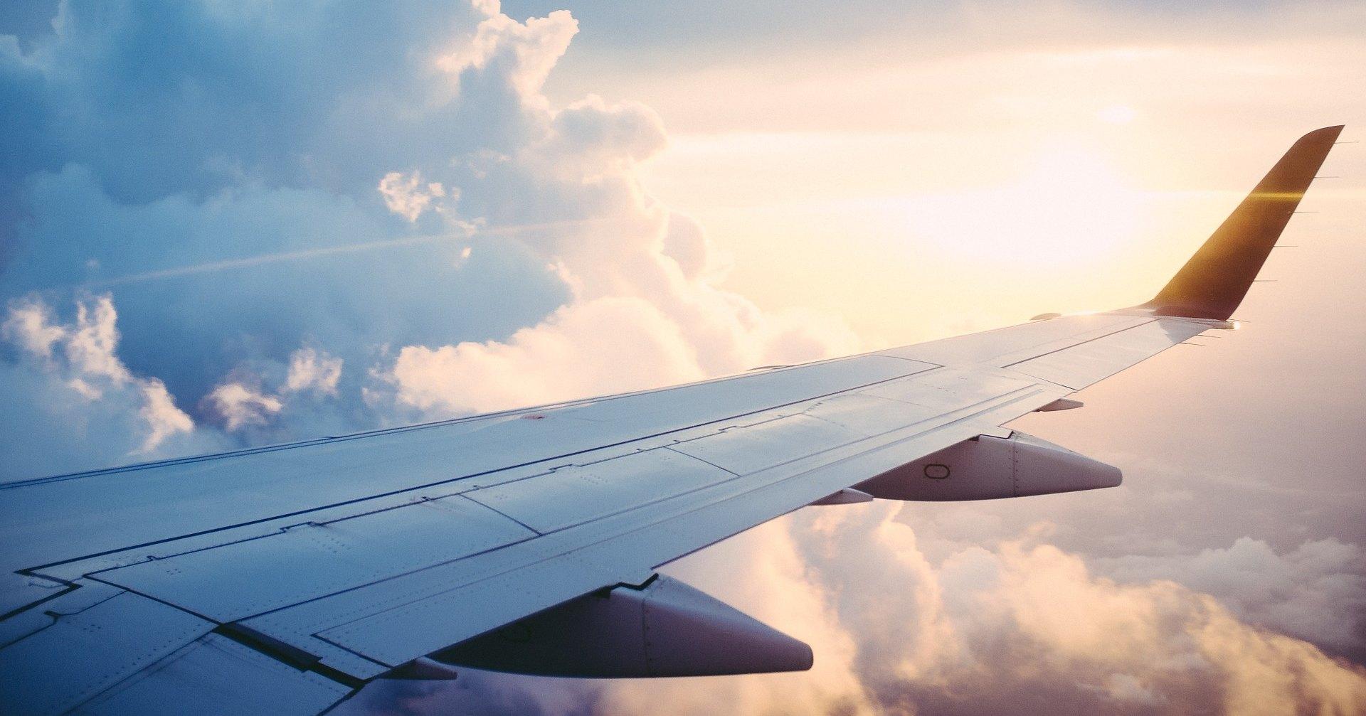 Сколько топлива берет с собой самолет, выполняющий рейс?