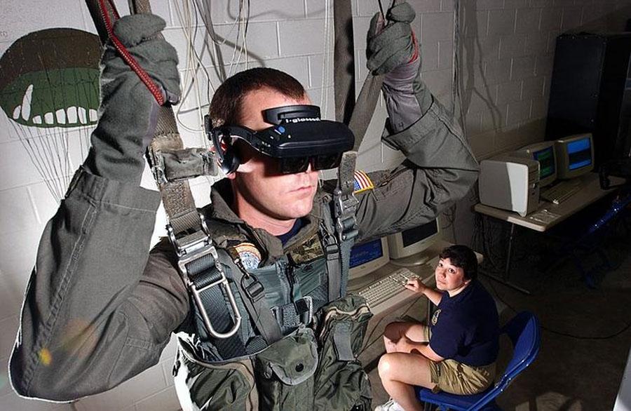 Microsoft будет снаряжать VR-очками солдат США - 2