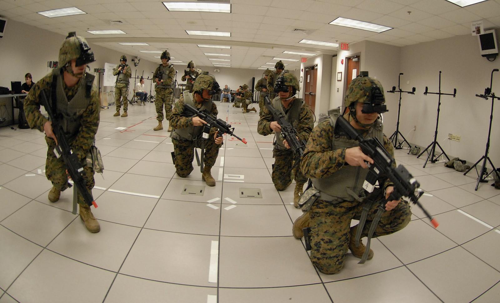 Microsoft будет снаряжать VR-очками солдат США - 1